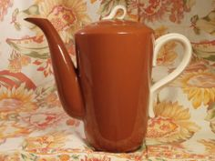 "Homer LAUGHLIN JUBILEE Coffee Pot SUNTONE 9.5"""