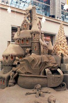 North pole sand sculpture ... loading Santa's sleigh?