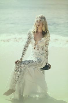 crochelinhasagulhas: Vestido de crochê branco by Sarah Joseph Couture