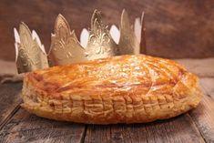 Recette galette des rois à la frangipane   Supertoinette Fresh Bread, Specialty Cakes, Macarons, Quiche, Camembert Cheese, Dairy, Baking, Desserts, Food