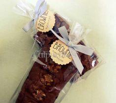 Brownie de nueces y frutos rojos