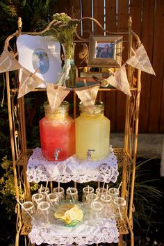 Vintage style sweet 16, lemonade stand for a simple but sweet 16 girls get together