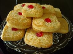 Coconut Shortbread Biscuits These are shortbread biscuits for melting in the mouth, coated with coconut and containing very few ingredients. I make the dough in the food processor, but it can be made by hand in the usual way. 450 ml ml … Eid Biscuit Recipes, Eggless Cookie Recipes, Eggless Desserts, Eggless Baking, Coconut Recipes, Baking Recipes, Cake Recipes, Coconut Cakes, Eid Biscuits