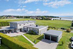 FINN – Ved sjøen og strandpromenaden - funkislignende, stilren og tøff bolig! Generasjonsbolig eller enebolig med egen utleiedel!