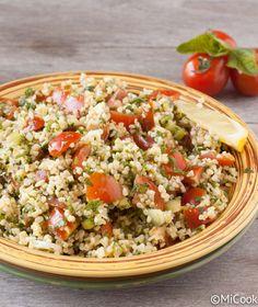 Bulgursalade met tomaatjes Quinoa Grain, Grain Salad, Good Mood, Fried Rice, Pasta Salad, Barbecue, Nom Nom, Grains, Salads