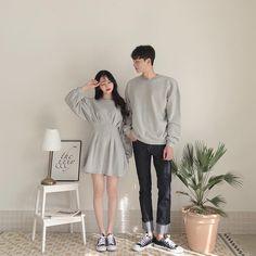 Korean Fashion Fall, Korean Fashion Dress, Korea Fashion, Matching Couple Outfits, Matching Couples, Cute Couples, Korean Couple Photoshoot, Korean Best Friends, Mode Ulzzang