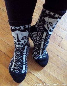 Detoemination (by egophiliac) Gaster Blaster, Gaster Sans, Knitting Patterns, Crochet Patterns, Knitting Ideas, Old Fan, Birthday List, Knitting Socks, Knit Socks