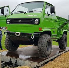 Mike Ghia's Syncro Lightweight SWB 9 years in the making revealed at Busfest 2018 is about as close to making your own Unimog as it probably gets (thanks Steve! Vw T3 Doka, T3 Vw, Vw Vanagon, Combi Vw, Vw Cars, Mini Bike, Car Wash, Fire Trucks, Volkswagen Golf