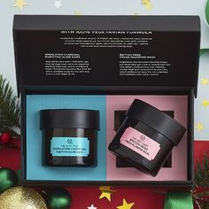 Dare to Mask? Give the gift of masking this holiday season with our Finest Facial Mask Duo. This set features two of our best selling face masks from our New Expert Facial Mask Collection. The perfect pampering gift for an at-home spa day! A $56 Value! Set Includes 100% Vegan British Rose Fresh Plumping Mask 3 oz 100% Vegan Himalayan Charcoal Purifying Glow Mask 3 oz