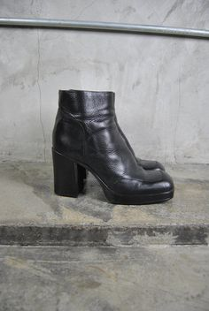 5c61afb5c20 vintage 1990 s minimalist goth black leather chunky heel ankle zip boots