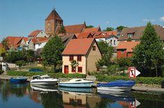 Plau am See, Mecklenburg-Vorpommern; Anreise ab Schwerin, Übernachtungen zu Ostern ab 82€/Nacht/Zimmer; Foto: Varus111, Lizenz: Public Domain, Buchung: http://www.easyvoyage.de/hotels/schwerin/best-western-seehotel-frankenhorst-nichtraucherhotel-124368
