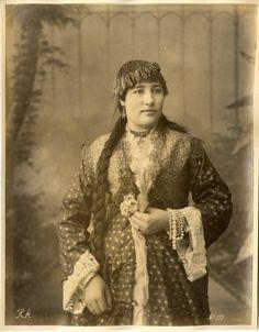 Arnoux. Egypte, Femme en costume     #Afrique_Africa #Egypte