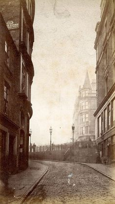 """The Wellgate at the foot of Bonnethill (now Hilltown), Dundee Image Great Photos, Old Photos, Dundee City, Old Street, Old London, Historical Photos, Great Britain, Edinburgh, Past"