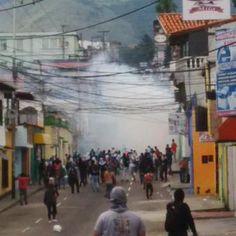 ¡Táchira encendido! FOTOS: Reportan protestas, enfrentamientos, represión y detenidos en la UCAT