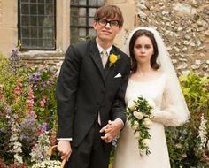 """Eddie Redmayne & Felicity Jones na cena de casamento do filme """"A Teoria de Tudo"""", sobre a vida de Stephen Hawking. Veja mais: www.yeswedding.com.br/pt/antena-yes/post/um-casamento-de-superacao"""