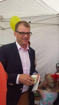 """The prime minister of Finland in Vääksy Finland """"Anianpellon markkinat"""", summer 2015 (photo Arja Keskitalo)"""