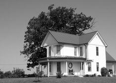 I love old farm houses