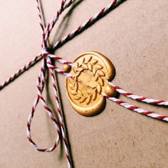 Wooden Wax Seal with Victory Wreath design for your Personal Stationery | Gudily