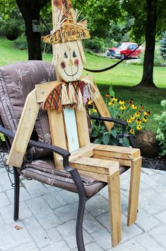 Scarecrow at a festival in New Jersey A scarecrow is a decoy or mannequin usually in the shape of a human. It is dressed in old clo...