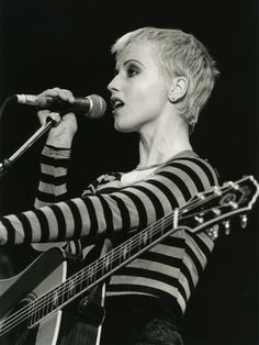Dolores Mary Eileen O'Riordan, September 1971 – January 2018 was a Irish singer, songwriter, and musician. She led the rock band the Cranberries from 1990 until their breakup in they reunited in Ode To My Family, Cranberries Band, Fashion 90s, Dolores O'riordan, Blonde Pixie Cuts, Women In Music, Badass Women, Music Icon, Beautiful Celebrities