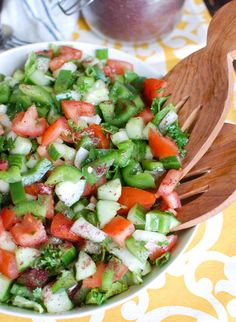 Easy Lebanese Salad - A Cedar Spoon Lunch Recipes, Salad Recipes, Healthy Recipes, Delicious Recipes, Healthy Foods, Keto Recipes, Vegetarian Recipes, Healthy Eating, Lebanese Salad