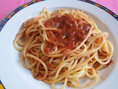 #spaghetti #pizzaiola #tomato #beef #italianspaghetti #spaghettirecipe #italianrecipe #food #italianfood #primipiatti #dinner #lunch #instafood #instagood #foodgasm #foodporn