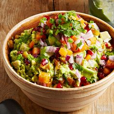 Brighten up guacamole by adding fresh papaya and pomegranate seeds. Scoop up with tortilla chips or use as a topping for tacos or salads. Best Party Appetizers, Healthy Appetizers, Healthy Dinner Recipes, Appetizer Recipes, Healthy Snacks, Snack Recipes, Healthy Eating, Cooking Recipes, Dip Recipes