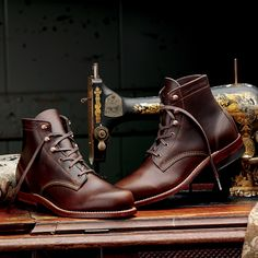 ...and i will walk 500 hundred miles and i will walk 500 hundred more... Made in America and featuring top quality Horween Chromexcel® leather,stacked leather outsole and classic welt construction. 355$