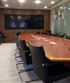 Overbury worked with MBIA to relocate and fit out their London office with environmental credentials at its core. Meeting Table, Office Meeting, Meeting Rooms, Wood Panel Walls, Wood Paneling, Industrial Office Design, Office Fit Out, Latest Technology, Interior