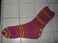 Lacy Mock Cable Socks A simple sock pattern with an easy-to-memorize…: scarlettknits Knitting Projects, Knitting Patterns, Knitting Videos, Patterned Socks, Slip Stitch, Knitting Socks, Knit Crochet, How To Memorize Things, Projects To Try