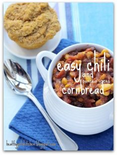 Easy Vegan Chili and Pumpkin Spiced Cornbread Muffins - Healthy Girl's Kitchen Good Healthy Recipes, Healthy Foods To Eat, Healthy Cooking, Whole Food Recipes, Vegetarian Recipes, Chili Recipes, Healthy Eating, Healthy Soups, Amazing Recipes