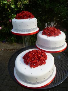 Wedding Cake: 30 of the Best Wedding Cakes Ever Made, Red Roses on White Fondant Theme Three Separated Stands Wedding Cake Design