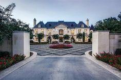 Dream House Interior, Luxury Homes Dream Houses, Dream Homes, Tropical Home Decor, Tropical Houses, Resorts, Luxury Mediterranean Homes, Mediterranean Decor, Charleston