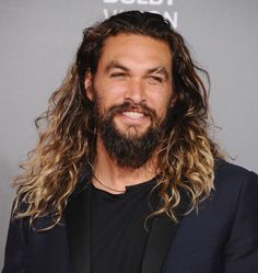 That's that Momoa Miracle again! It'll get you every time. Even you, Ben Affleck!