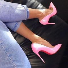 300fff725 Instagram media by everythingwoman - Shopping link in bio Vestido E Saltos