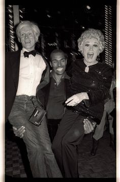 Andy Warhol and Phyllis Diller at Studio Photo by Gene Spatz. Studio 54, Night Club, Night Life, Phyllis Diller, Street Culture, Andy Warhol, Rare Photos, Famous Faces, American Artists