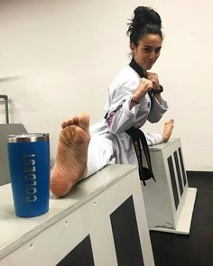 Taekwondo Girl, Karate Girl, Female Martial Artists, Martial Arts Women, Miss Perfect, Jiu Jitsu, Strong Women, Kicks, Art Women