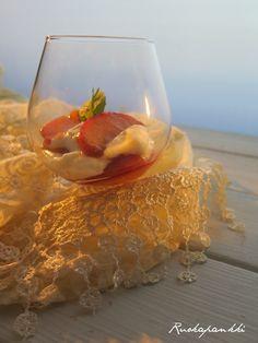 Ruokapankki: Sitruuna-tuorejuustovaahto ja karamellisoidut hedelmät #sitruuna #tuorejuusto