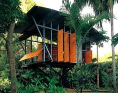 Smartshax, an Australian company that designs lightweight, prefab timber huts for remote areas and vacation spots. Smartshax are intentionally unremarkable little cabins, which are meant to blend in and highlight their natural surroundings. Tropical Architecture, Australian Architecture, Sustainable Architecture, Sustainable Design, Architecture Design, Sustainable Houses, Pavilion Architecture, Residential Architecture, Contemporary Architecture