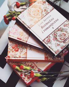 Znowu przyszedł czas na tagi. 😱😃 Tym razem połączyłam dwa podobne - #bookandflowers do którego nominowała mnie @erato_czyta oraz #bookandnature od @my.only.love.books Dziękuję! 😍😎🤓 #tag #booktag #książkowytag #book #books #bookgeek #booklover #bookaholic #czytambolubię #czytaniejestsexy #lubimyczytać #książka #książki #janeausten #światksiążki #wydawnictwoświatksiążki #angielskiogród