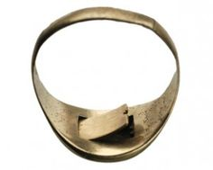 This 1880′s poison ring has a secret compartment in the back with an opening door.