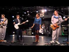 Weezer/Sara Bareilles performing (If You're Wondering If I Want You To) I Want You To. Kari Jobe, Weezer, Sara Bareilles, Florence Welch, Pentatonix, Imagine Dragons, Singing Quotes, Song Quotes, Music Quotes
