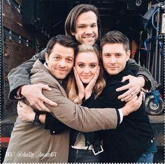 Misha, Jared and Jensen surround Kathryn Newton, the lucky girl! #Instagram