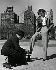 """lapurasoledad: """" artfulfashion: """" Woman having shoes shined. Photography by Nina Leen for Life magazine, 1942 """" moonghirl """""""