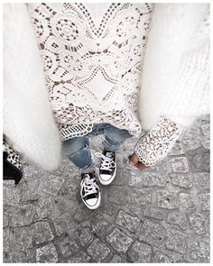 «Uniforme des vacances : gilet doudou, Jean boyfriend & Converse! • Knit #junebrussels (from @junebrussels) • Lace Top #bashparis (from @bashparis) • Jean…»