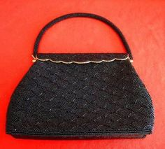 Mouse over image to zoom Beaded Heavy Vintage Bag Evening Structured Frame Top Handle NOS Sea Shell Vintage Bags, Vintage Shoes, Vintage Handbags, Black Wardrobe, Sequin Jacket, Couture Outfits, Timeless Classic, Evening Bags, Stocking Stuffers