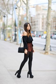 cute girly fashion outfits ideas for fall to upgrade your look page 7 Winter Shorts Outfits, Winter Fashion Outfits, Fall Winter Outfits, Women's Fashion Dresses, Casual Outfits, Womens Fashion Casual Summer, Office Fashion Women, Teenager Fashion, Looks Black