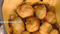 """La ricetta dei bignè di patate e acciughe di Anna Moroni del 8 febbraio 2016, a """"La prova del cuoco"""""""