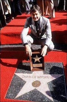 "Charles Bronson is shown receiving his star at the ""Walk of Fame"" in the Hollywood section of Los Angeles in this Dec. 10, 1980, file photo...."