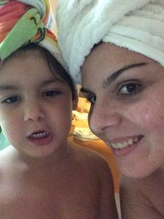 Após o banho, selfie de toalha
